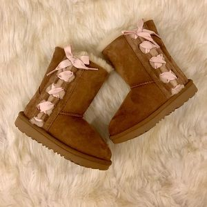 New Girls Ugg Pala Boots with pink ribbon bow